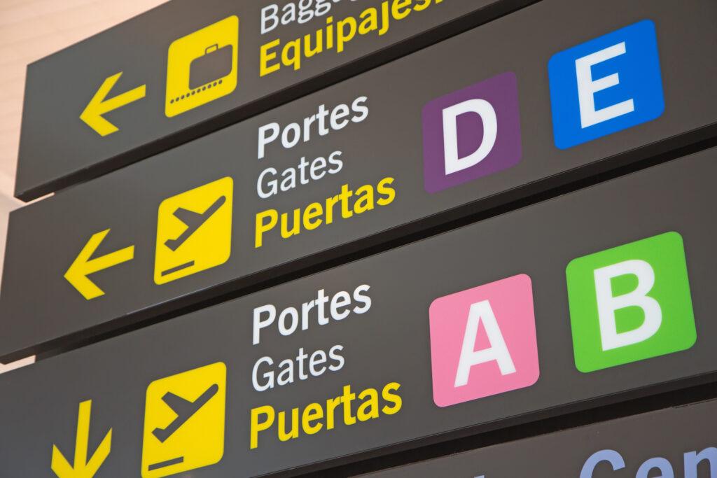 Spanish airport sign